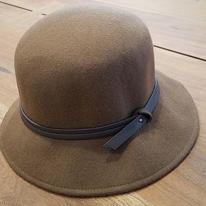 Nine West brown hat